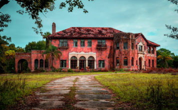 How to Sell a Creepy Property Quickly - propy blog