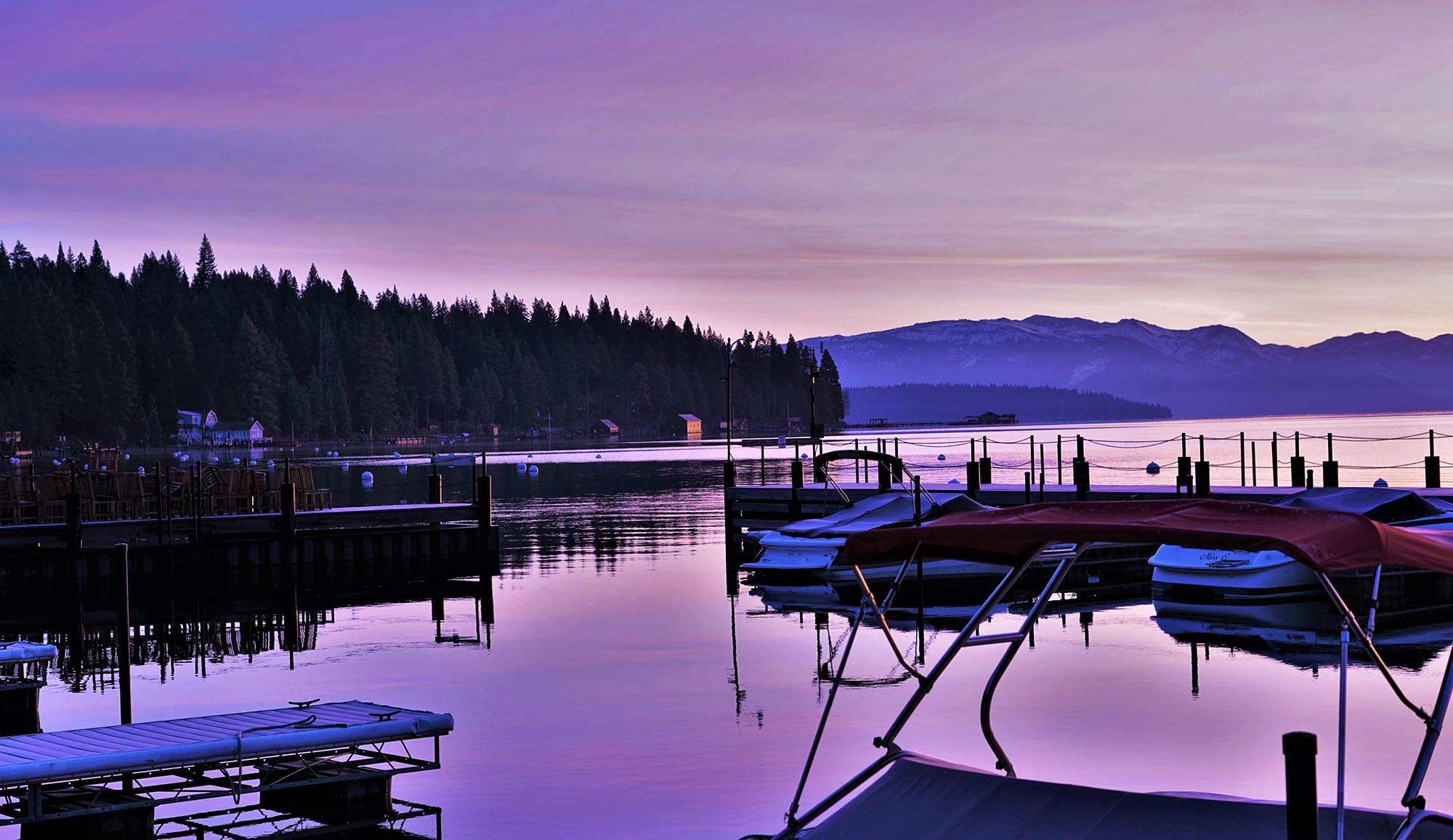 Pros and Cons of Purchasing a Home by the Waterfront